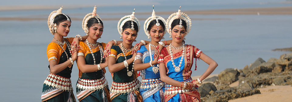 essays on culture of india The indian culture, a majority of historians would confirm is one of the richest, most dynamic and intriguing cultural heritages ever to be known by man india is blessed with such a rich cultural tradition.